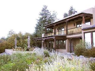 Alto Salto Secluded Luxurious Mountain Home, Amazing Views, Private Hot Tub, Arroyo Seco