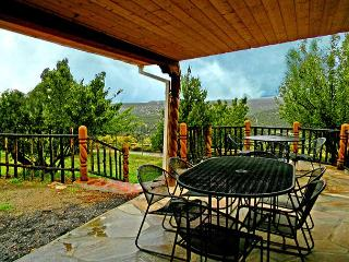 Campo Verde- 2 Acres with Fruit Orchard and Private Stream- Hot Tub, Arroyo Seco