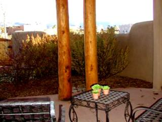 Taos rental private enclosed yard 3 masters fireplace panoramic view wifi dsl, El Prado