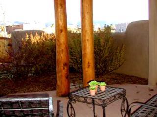 Taos rental private enclosed yard 3 masters fireplace panoramic view wifi dsl, El Prado