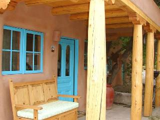 Casa Encantada 1  Enclosed Yard Hot Tub Walk to Plaza Kiva Fireplace, Taos