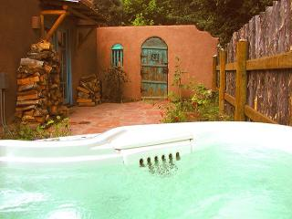Taos rental historic adobe walk town enclosed yard patio high speed internet