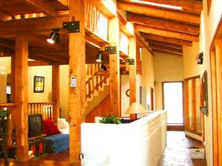Manzanares- Sauna, Hot Tub-2 Blocks from Historic Taos Plaza, Eateries, Shops