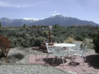 Taos rental mountain view wood burning fireplace hot tub dsl quiet peaceful, El Prado