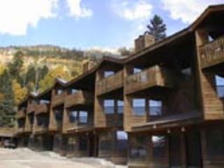 Taos Ski Valley Condo - 2 minute walk to lifts