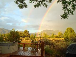Taos rental private secluded hot tub internet mountain views flower gardens, Arroyo Seco