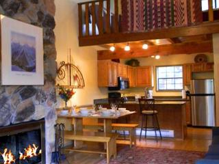 Twining 9 Taos Ski Valley Condo - 2 minute walk to lifts