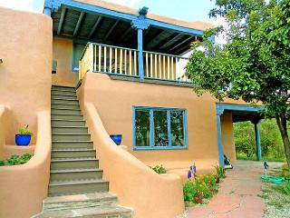 La Maison Studio -Views, Clubhouse pool, tennis, steam room, Hot Tub, Wi-Fi, Arroyo Seco
