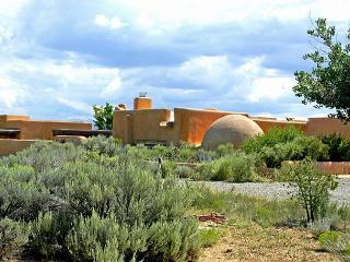 "John Shaw's Earthship House ""green architecture"" known as ""Earthships"", El Prado"