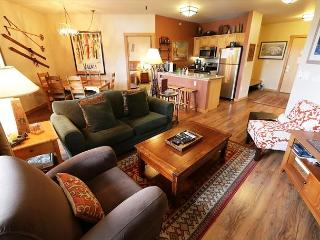Largest ski-in, ski-out floor plan, 2 bed, 2 bath at Eagle Lodge, Sleeps 7!, Lagos Mammoth