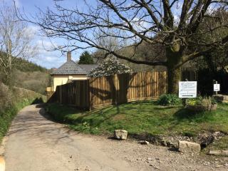 Set down a quiet country lane with large enclosed garden - the odd horse or tractor going by!