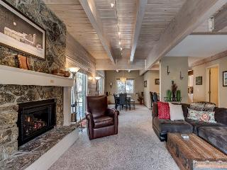 Mountainside Steamboat Springs Condo Minutes from Ski Area – Indoor Hot Tub