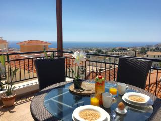 H5 -Executive Townhouse with Panoramic Sea Views, Peyia