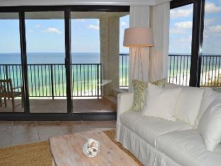 Completely remodeled dream condo on the beach in private resort w/amenities!, Miramar Beach