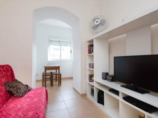 Low Cost Lisbon Apartment