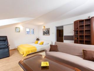 Apartman Antonia A2, Okrug Gornji