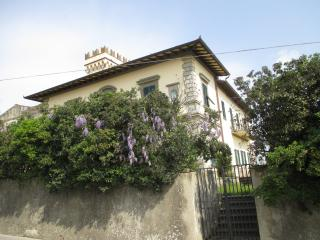 Villa in Chianti with private swimming pool, 10 km from Florence