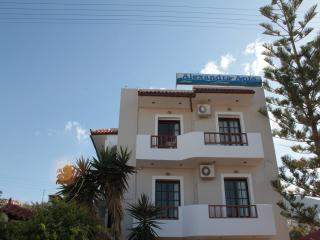 Alexandra Appartments, Stalis