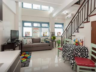 Spacious 1 Bedroom Loft near Greenbelt Makati