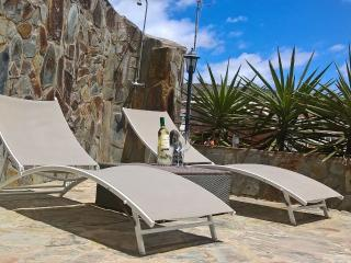 Casa Zen,Relaxing Triplex with Free Unlimited WIFI, Arguineguín
