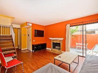 CLOSEST TO DISNEYLAND! 3 Bedroom Townhome in Anaheim