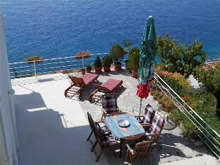 Stunning place with big terrace, Mimice