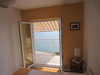 Apartment with sea view - few minutes from the beach