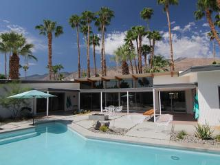 Stunning Original Mid-Century Classic Home, Palm Springs