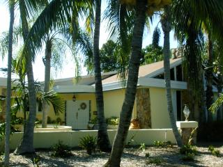 Resort Style Living In Pinecrest, Miami Fla.