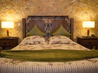 Quintinha da Eira - T. Rural - Tipo Hotel - Preço de apenas 1 Quarto