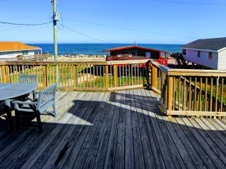 Quiet Beach House with 360 Views, Freeport