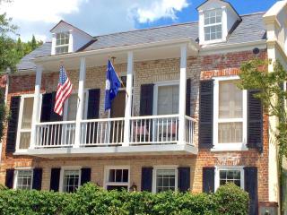 Historic District Gem, Charleston
