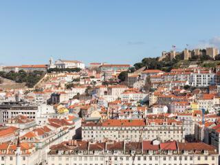 Charming Views St.George's Penthouse, Lisboa