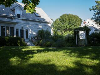 Beautiful, charming, peaceful  2-BR near East End, Provincetown