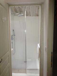 La Luberon: bathroom / salle de bain