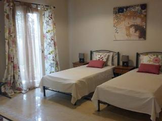 eleni apartments...room 4