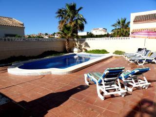 3 dormitorios con piscina privada La Marina PV345