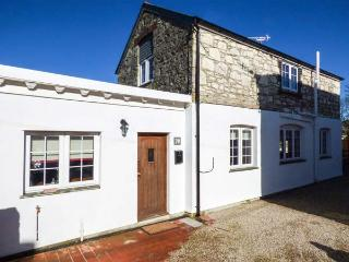 BAKERS COTTAGE detached spacious cottage, hot tub, woodburner in St Dennis Ref
