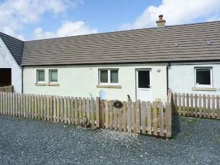 STARFISH COTTAGE, pet-friendly, luxury holiday cottage, with open fire in, Salen