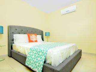 New 1 bedroom guest house walk to beach, Palm - Eagle Beach