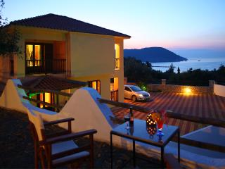 Naiades2 spacious apt close to the town view, Skopelos Town
