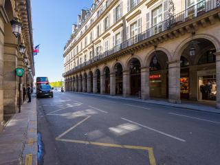 La Porte du Louvre (unbeatable location!)