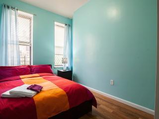 NEW 4bedrooms 2bathroom apt, Fourth Floot stay 8-10 people