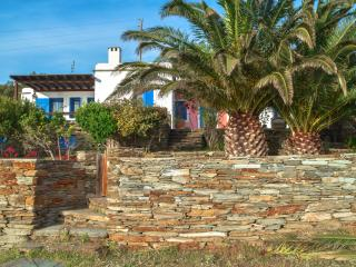 Cyclades House-sea/sunset views 7-10 min walk from a blue flagged beach