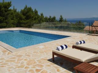 Općina Bol Holiday Apartment BL***********