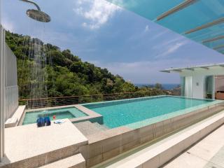 Kamala sea-view penthouse with pool