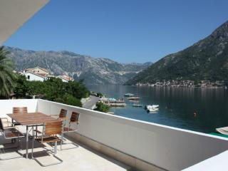 Donji Stoliv Holiday Apartment BL***********, Perast