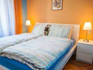 Double bed 160 x 200 cm