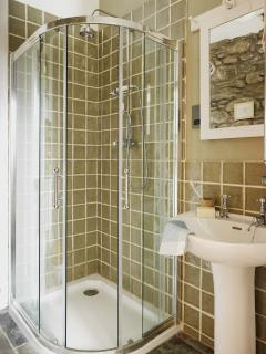 Studio - en suite shower room (1 of 2)