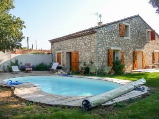 Large farmhouse with swimming pool, Gignac